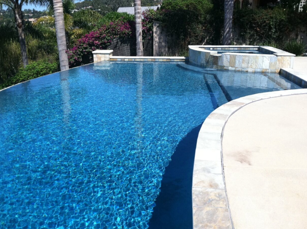 Sparkle Quartz Tahoe Pool with Disappearing Edge